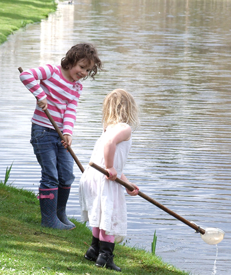 Birthday parties pond dipping